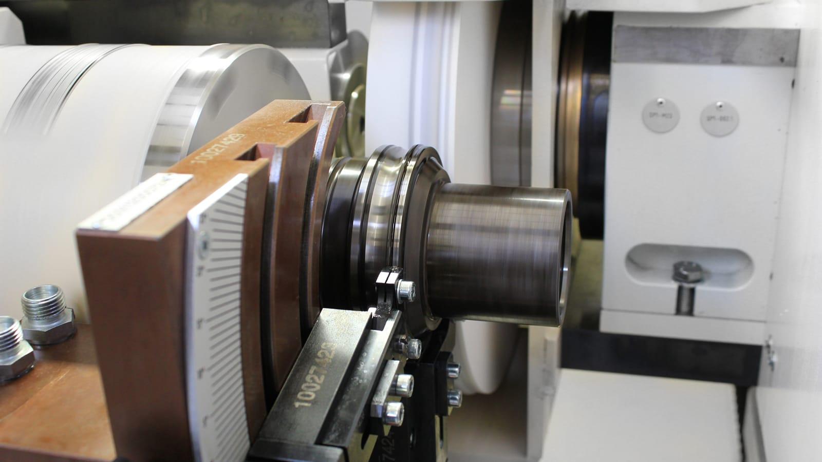 Bearing grinding machine